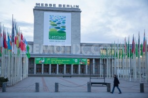 1421284623-construction-of-the-80th-berlin-international-green-week-exhibition_6658940